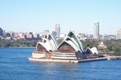 橋から見たオペラハウス
